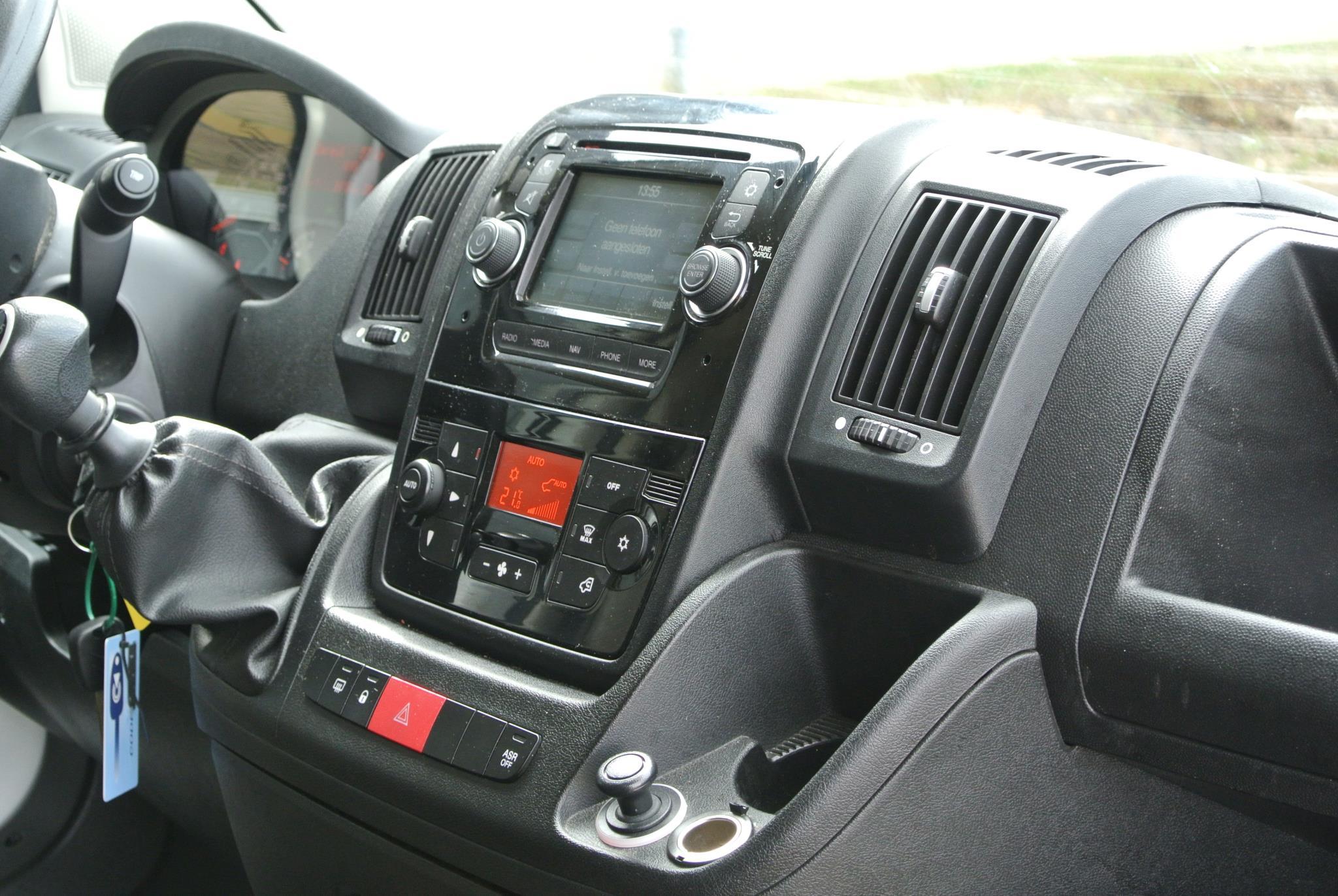 Volkswagen Golf 1.0 Tsi 115pk Comfortline | Navigatie | P-Sensoren | ACC | Apple Car Play | 16
